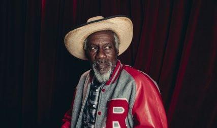 Blues artist Robert Finley